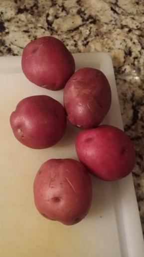 1 pound of potatoes - Alton Brown Christmas Soup