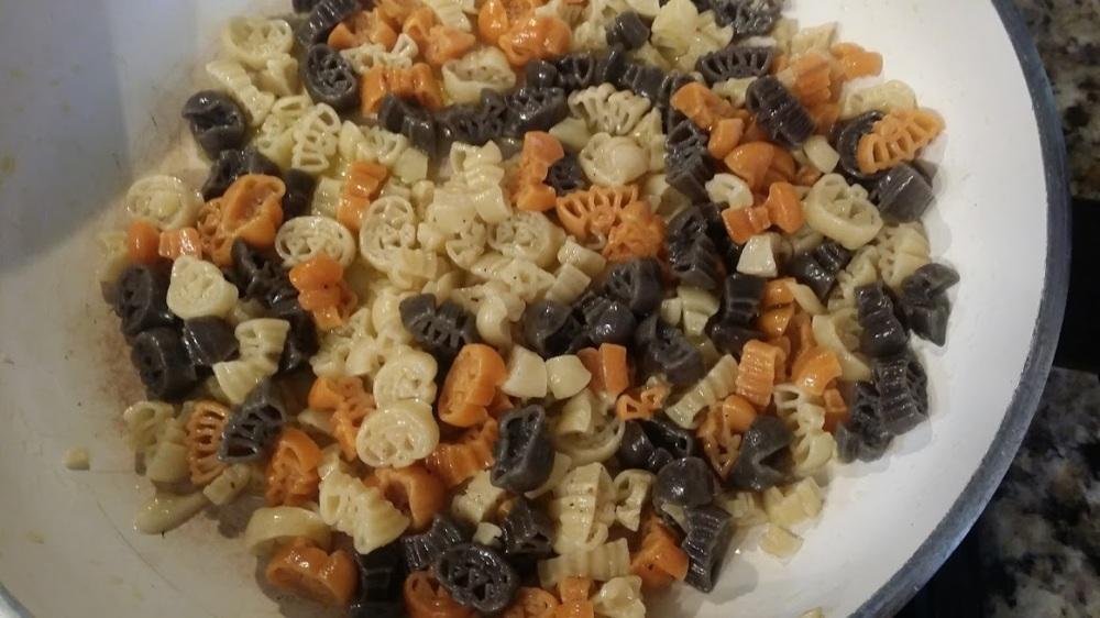halloween-pasta-cooked